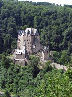 Burg_Eltz1_web