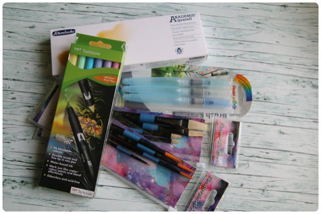 Aquarell-Kasten von Schmincke mit 24 Farben | Pinsel | Tombows in pastell