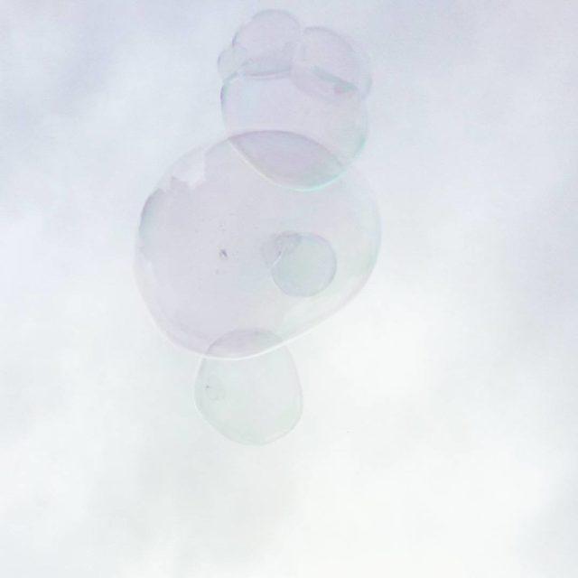 Bubbles  Glck ist wie eine Seifenblase  schillernd lustighellip